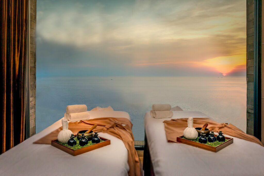 Enjoy Wonderful Experiences In Phuket S Top Five Luxury